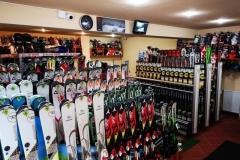 RJ-Ski-Snowboard-Center-in-Poiana-Brasov
