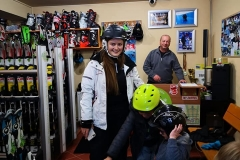 ski-snowboard-rental-shop-poiana-brasov