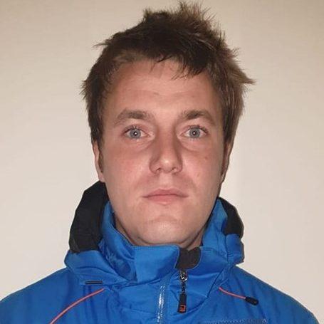 Instructor de schi si snowboard in Poiana Brasov la R&J Ski School - Ski Rental Poiana Brasov
