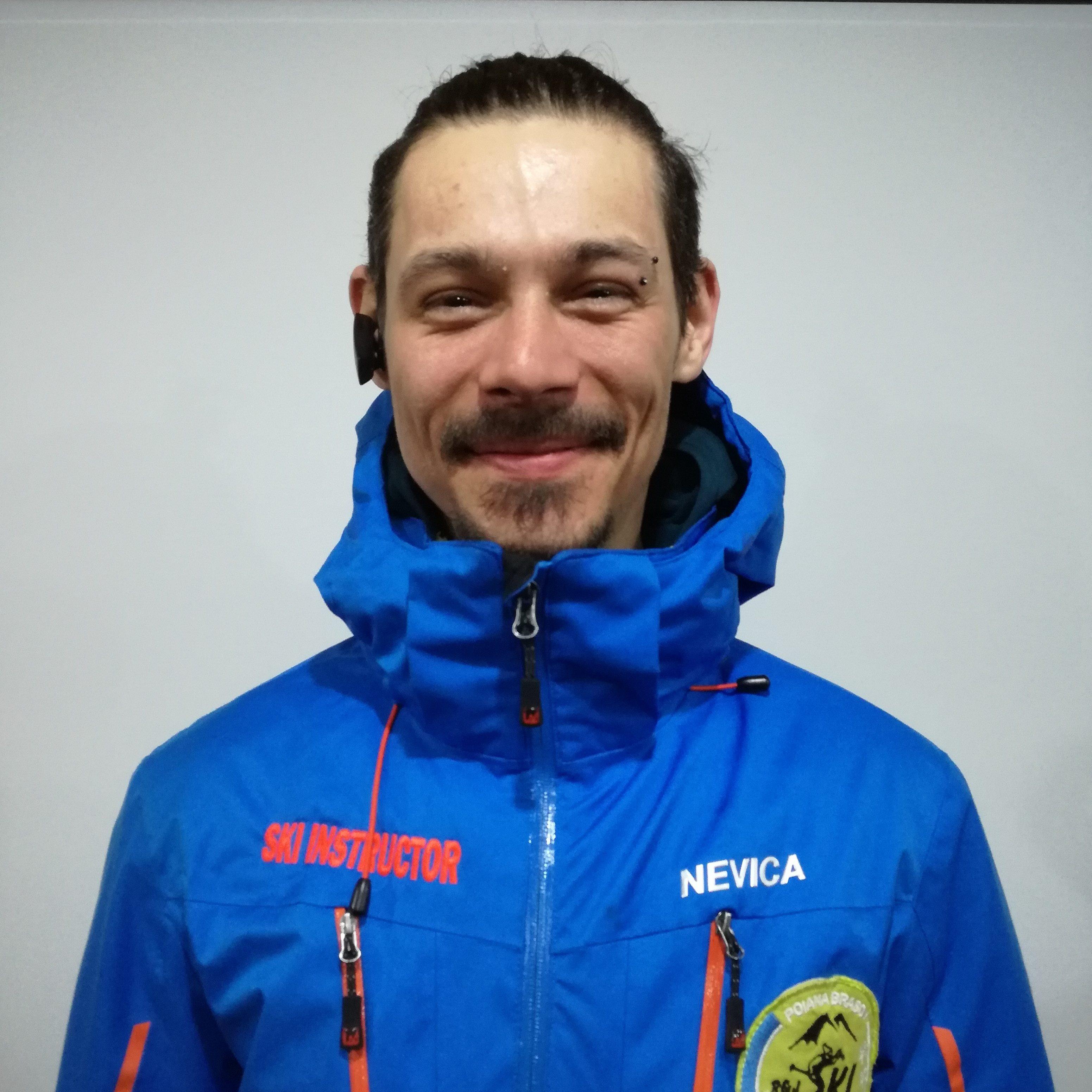 Snowboard Instructor at R&J Ski School from Poiana Brasov | Monitor de ski la R&J Scoala de ski din Poiana Brasov