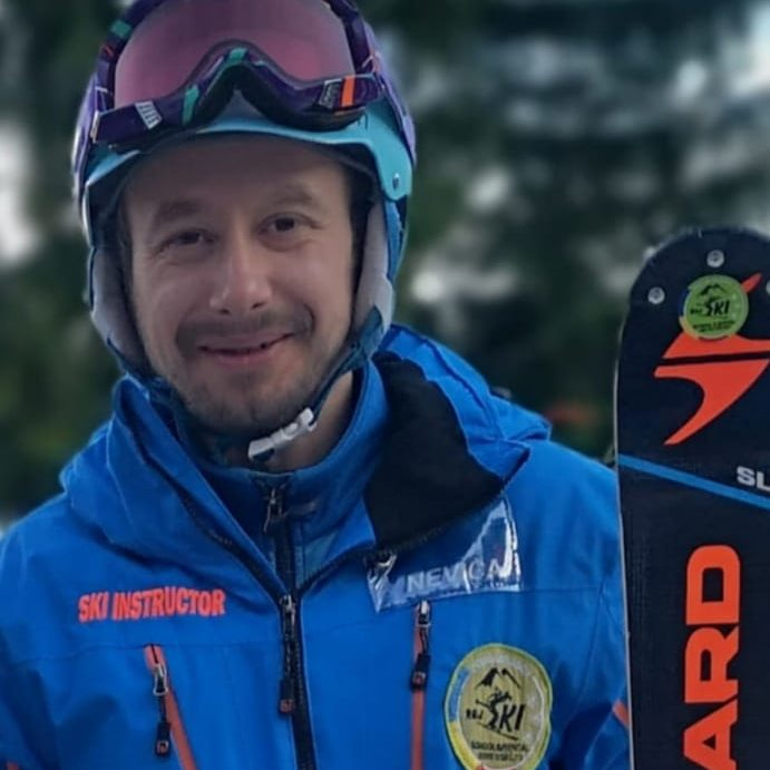ski instructor in poiana brasov at R&J ski school ski rental